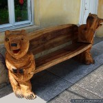 Wood bench with bears (side) - chainsaw carving